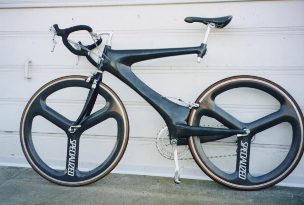 Damon Rinard's do-it-yourself carbon-fiber bicycle frame