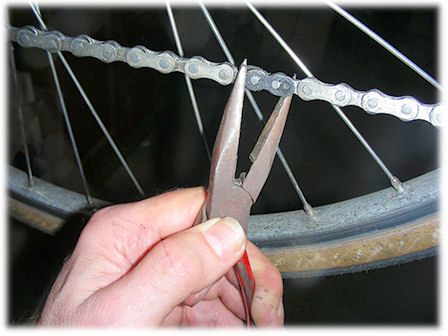 Chain maintenance the 9 speed powerlink removing a kmc missing link greentooth Choice Image
